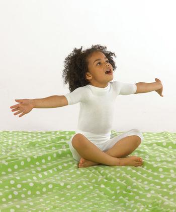Short sleeved vest top in white silk for babies