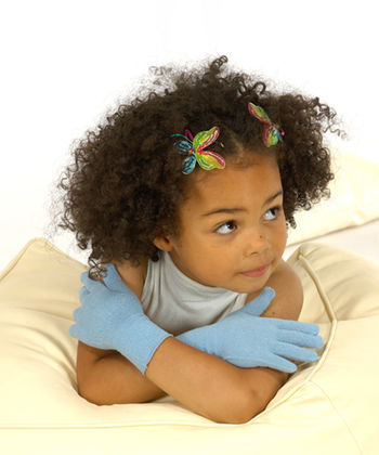 Gloves in silk for boys and girls