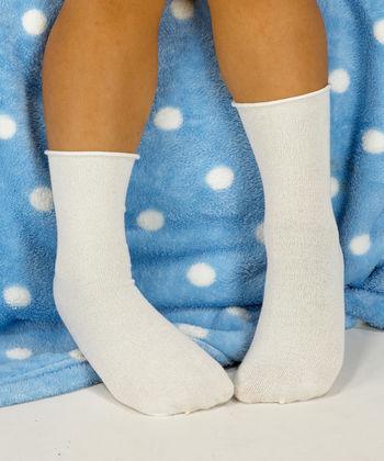 Knee socks in white silk for boys and girls
