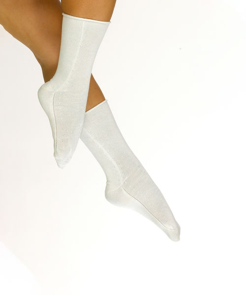 Therapeutic knee sock in white silk for women