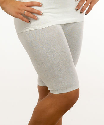 Shorts in white viscose for women